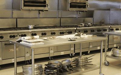 ¿Cómo limpiar una cocina industrial?