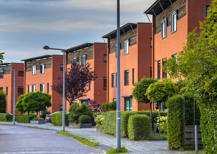 ¿Necesitas limpiar la comunidad de vecinos a la que perteneces?